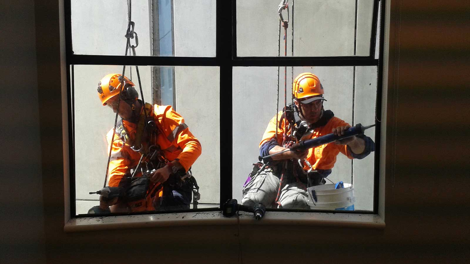 High Rise Glass Repair On Commercial Property | Goleman Group